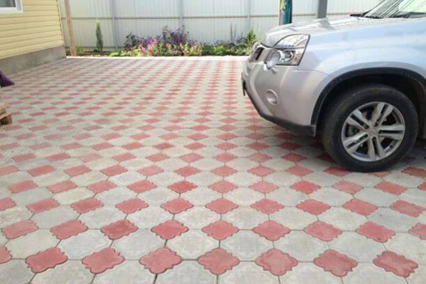 плитка для парковки автомобиля